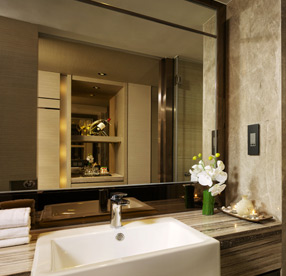 Platinum Grand Bathroom